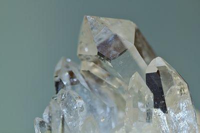 cristalloterapia, proprietà dei cristalli, terapia coi cristalli