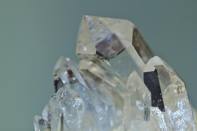 Pietre vulcaniche - quarzo ialino